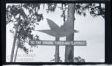 [Directional sign for Singing Tower and flamingos at Mountain Lake Sanctuary (Lake Wales, Fla.)]